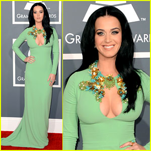 katy-perry-grammys-2013-red-carpet