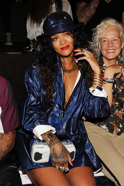 Rihanna-at-Alexander-Wang-with-Sneaker-bag-2